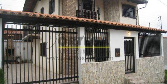 Casa En Mérida, Mucuchies, Av. Carabobo.