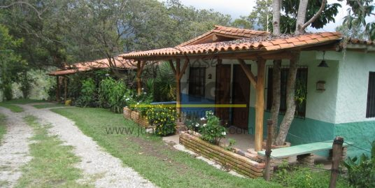 Cabaña Cuadruplex en Mérida, Sector Las Carmelitas, Via Jaji.