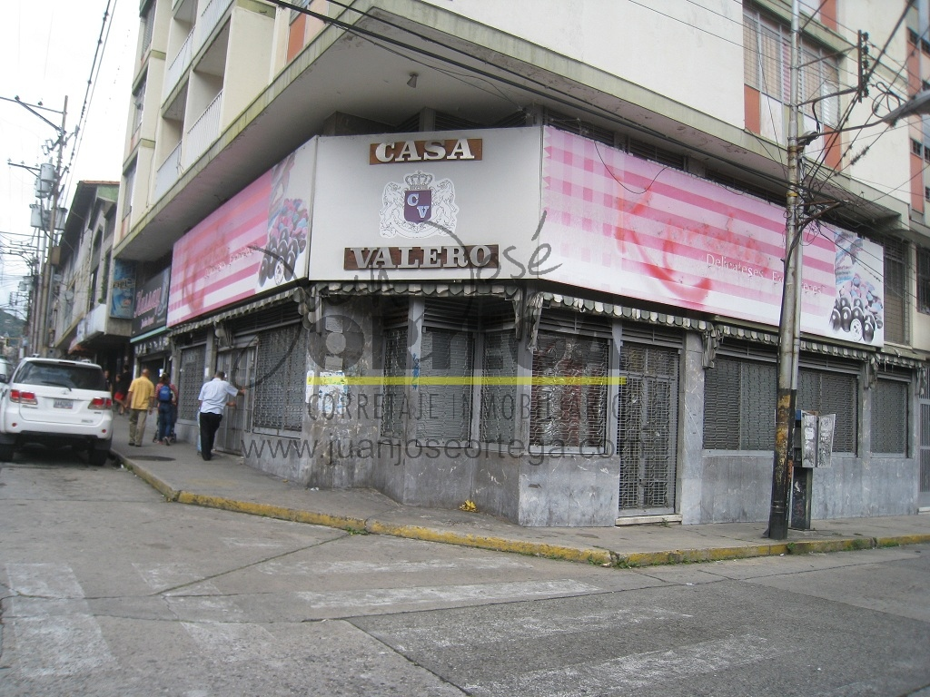 Locales Comerciales Centro, Av. 3 con Calle 27.